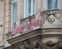 Opera Suites Pension