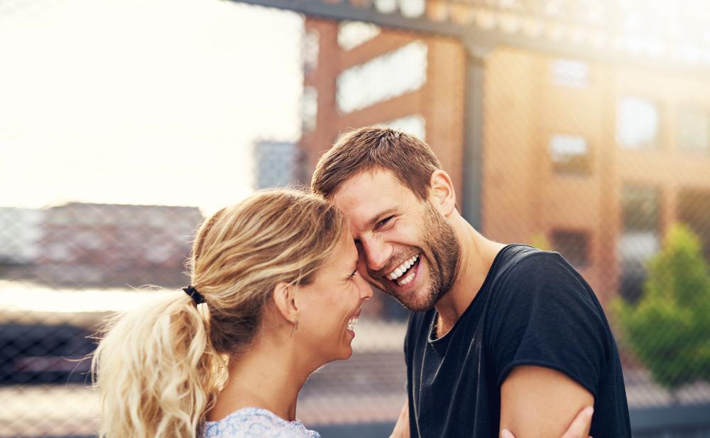 love om dating mindreårige voksne personals kontakter